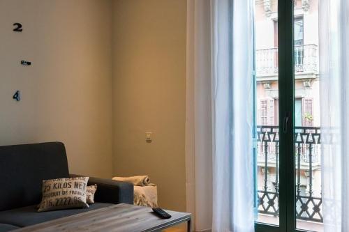 Four Petals Barcelona Boutique Apartments - фото 3