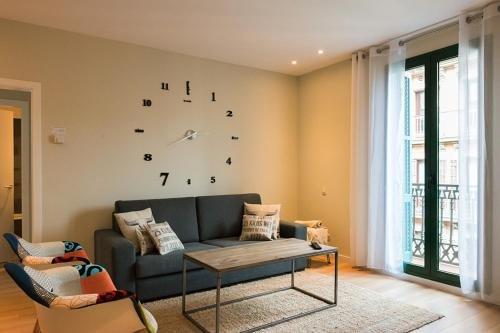 Four Petals Barcelona Boutique Apartments - фото 7