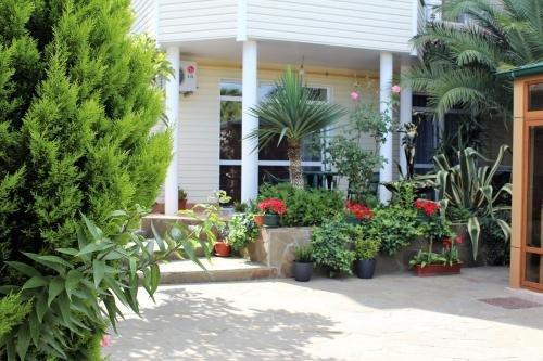Guest House Sarissa - фото 2