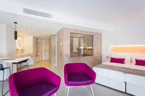 One Ibiza Suites - фото 2