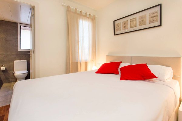 3 Bedroom Apartment in Sants - фото 3