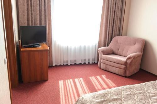Атрон Отель - фото 1
