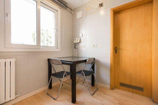 Vila Olimpica Apartment - фото 9