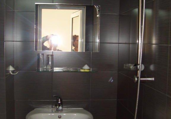 Riskyoff Hotel - фото 10