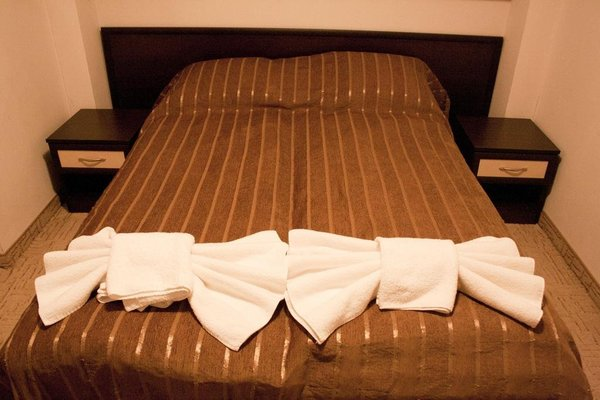 Riskyoff Hotel - фото 4
