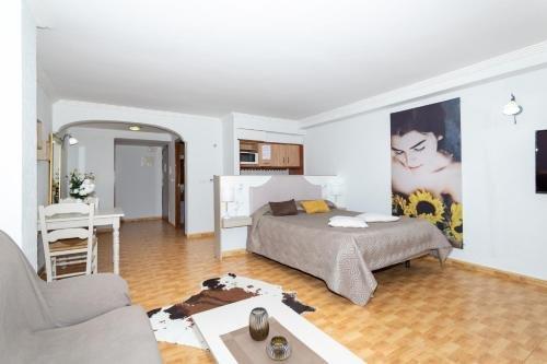 Unique Hotel Apartments - фото 1
