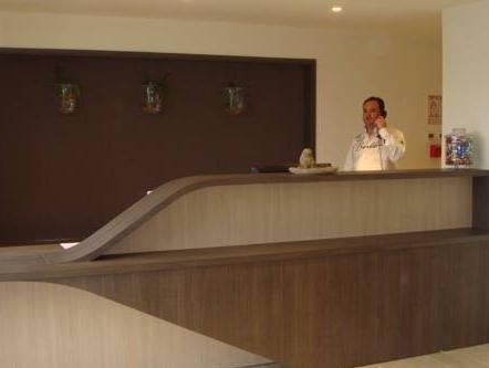 Inter Hotel Cholet - фото 13