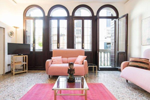 Lustraferi Apartment - фото 4