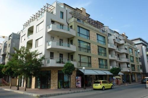 Apartments in Botabara Building - фото 2