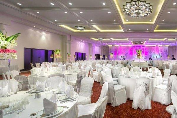 The Ajman Palace Hotel - фото 12