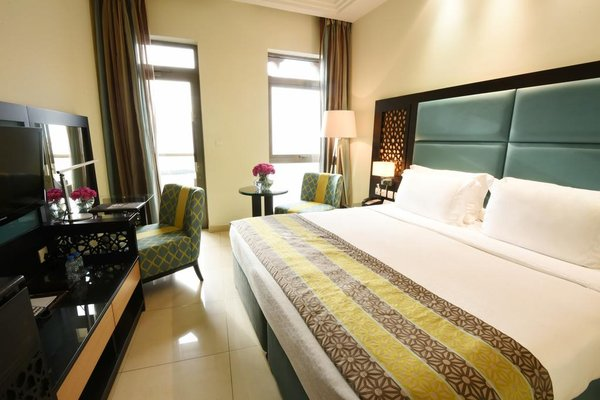 The Ajman Palace Hotel - фото 2