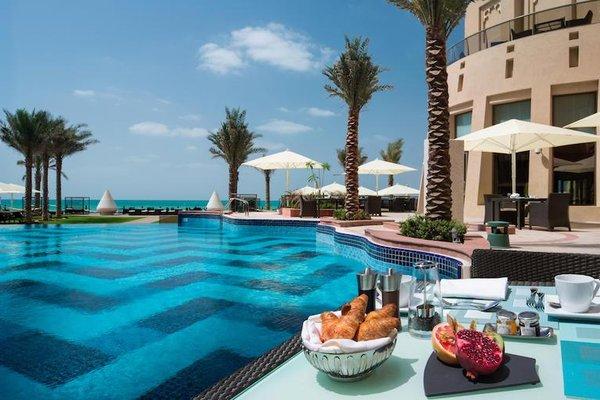 The Ajman Palace Hotel - фото 21