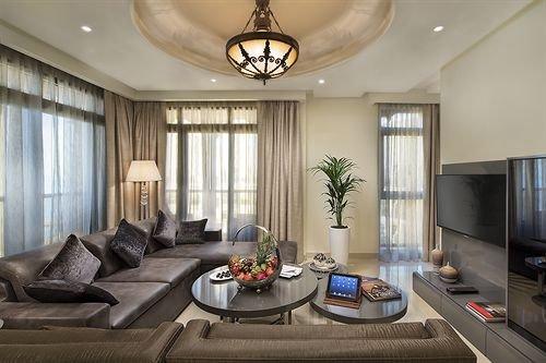 The Ajman Palace Hotel - фото 4