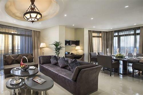 The Ajman Palace Hotel - фото 5