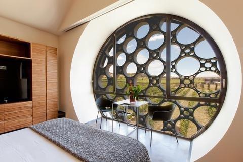 Cava & Hotel Mastinell - фото 1
