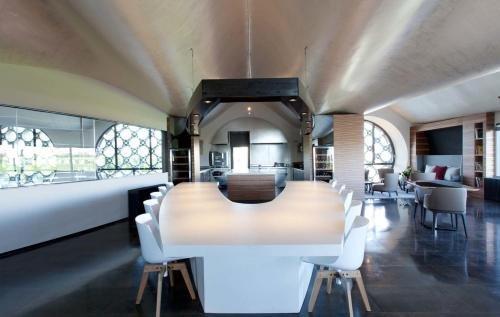 Cava & Hotel Mastinell - фото 4
