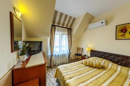 Hotel Cheap - фото 1