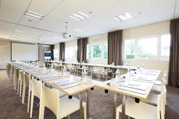 Kyriad Prestige Vannes Centre-Palais des Arts - фото 16