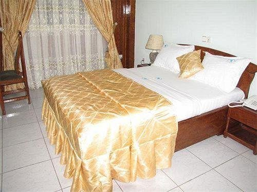 Afrique Hotel Douala Airport - фото 0