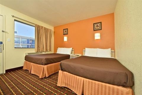 Photo of OYO Hotel Wichita Falls I-44 at Maurine St