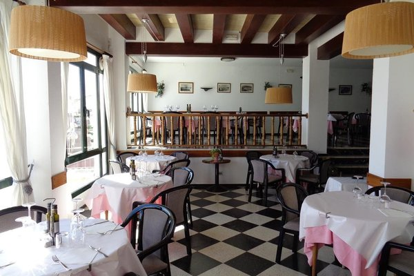 Hostal Restaurant s'Algaret - фото 11