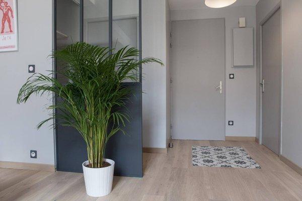 Apartment Rue Neuve with Elevator - фото 9