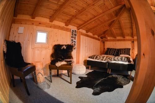Holmen Husky Lodge - фото 1