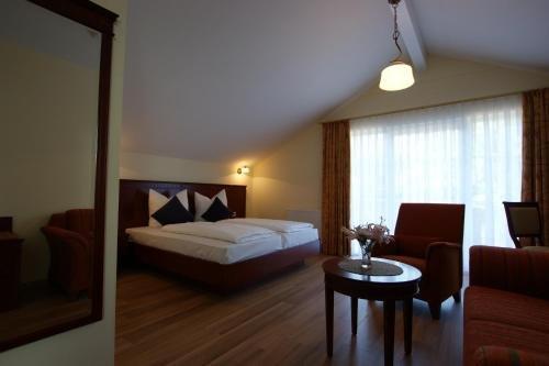 Waldcafe Hotel Restaurant - фото 1