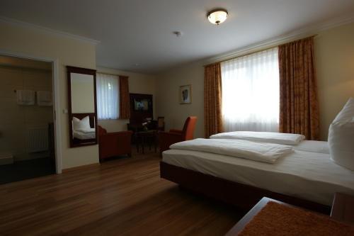 Waldcafe Hotel Restaurant - фото 2