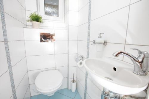 Modern apartment Michalska 6 - фото 10