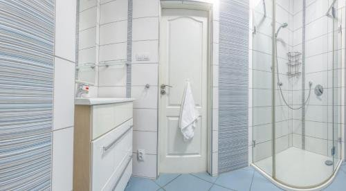 Modern apartment Michalska 6 - фото 11
