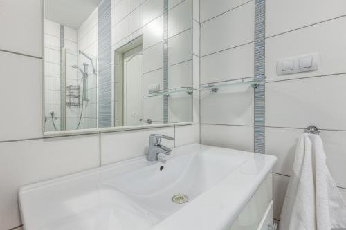Modern apartment Michalska 6 - фото 12