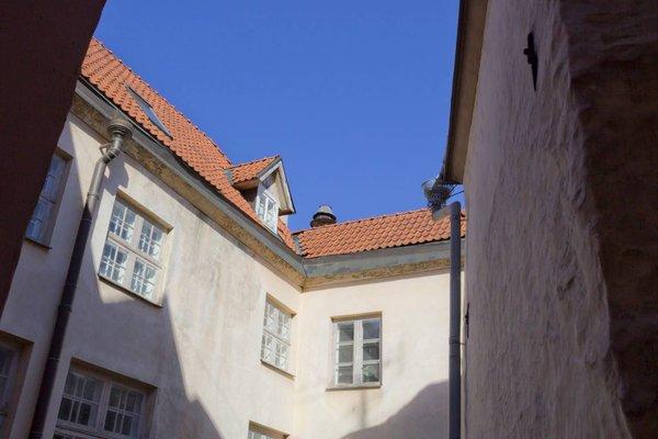 Tallinn City Apartments - Town Hall Square - фото 12