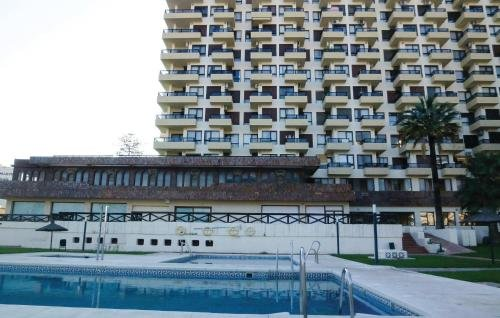 Apartment Benalmadena Costa with Sea View V - фото 4