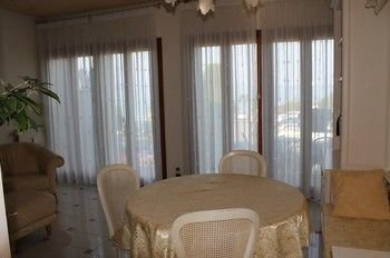 5 STAR SIRMIONE WITH PRIVATE BEACH AND GARAGE - фото 14