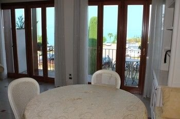 5 STAR SIRMIONE WITH PRIVATE BEACH AND GARAGE - фото 16