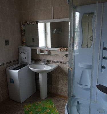 Uiutniy Dom Guest House - фото 7