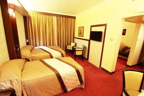 Al Khaleej Grand Hotel - фото 1
