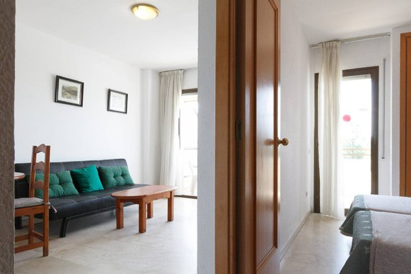 UHC Aquamarina Apartments - фото 6