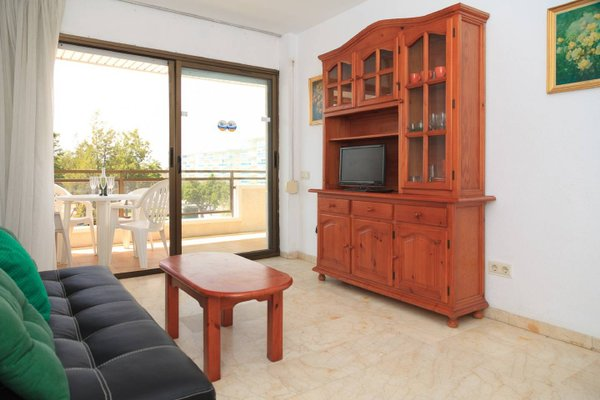 UHC Aquamarina Apartments - фото 8