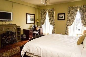 Photo of Niagara Crossing Hotel and Spa