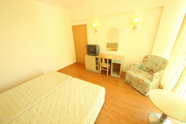 Menada Apartments in Oasis Resort Complex - фото 1