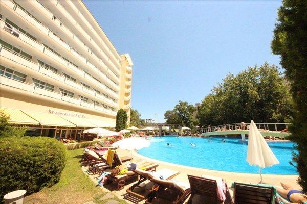 Menada Apartments in Oasis Resort Complex - фото 3