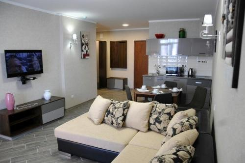 Soho Beach Apartment - фото 9