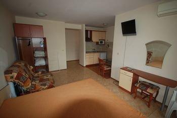 Elite 4 Sunray Apartments - фото 9