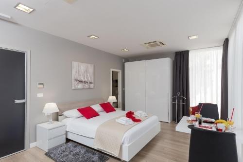 Apartments ZoomZoom - фото 1