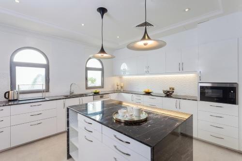 Nasma Luxury Stays - Frond M, Palm Jumeirah - фото 10
