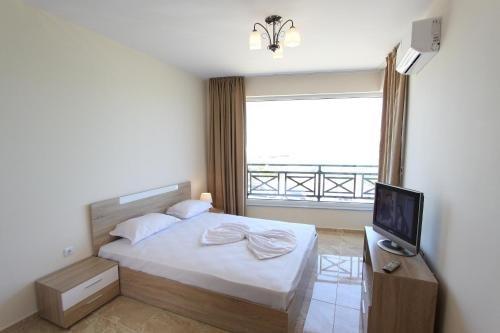 Golden Sea View Apartments - фото 50