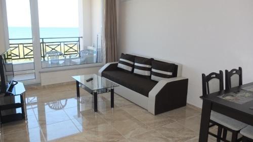Golden Sea View Apartments - фото 6