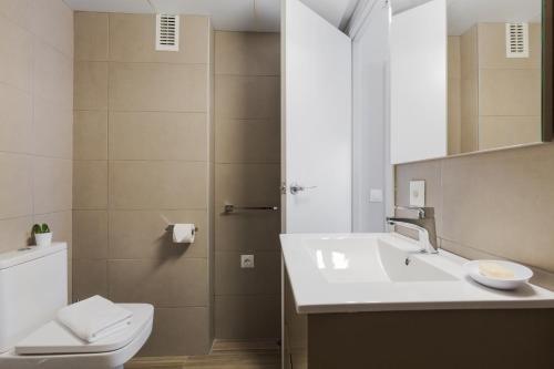 430 BCN Apartments - фото 12